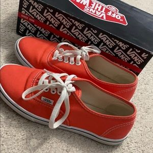 Low Hot Coral Vans size women's 7.0/ Men's 5.5